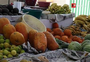 Una de las recomendaciones es elegir las frutas y verduras 'feas', mientras sirvan
