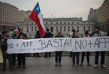 En Chile discuten un segundo retiro de los fondos de pensiones