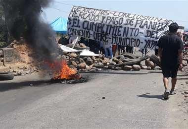 Gremiales endurecen el bloqueo en Yapacaní
