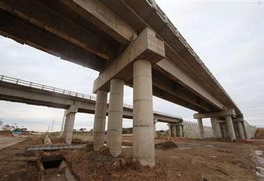 Puentes, escuelas, centros productivos son las obras que reclama su pago (Foto: EL DEBER)