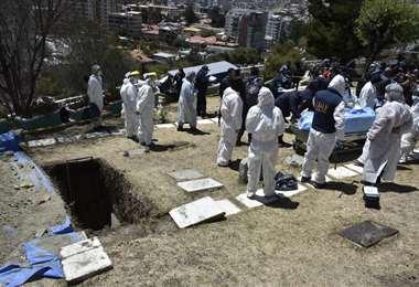 La exhumación en el cementerio Celestial I APG.