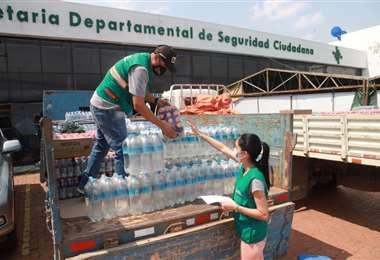 El COED recibe donaciones que luego desplaza hasta la zona de incendios