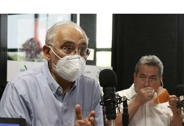 Mesa y Pedraza estuvieron en EL DEBER Radio. Foro Ricardo Montero