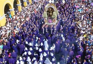 La multitudinaria procesión del Señor de los Milagros será virtual este año
