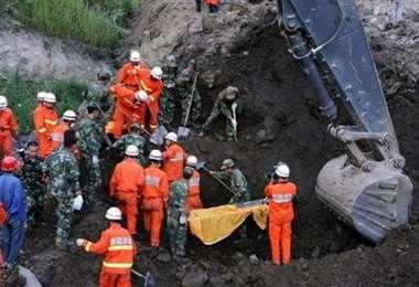 Un centenar de rescatistas fueron desplegados en la zona