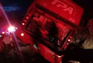 El bus accidentado. Foto captura de pantalla