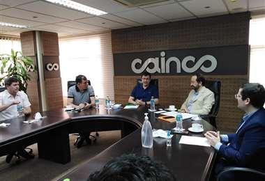 El presidente de la Aduana se reunió con el directorio de Cainco