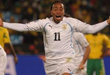 El festejo de Álvaro Pereira en el Mundial Sudáfrica 2010. Foto: internet