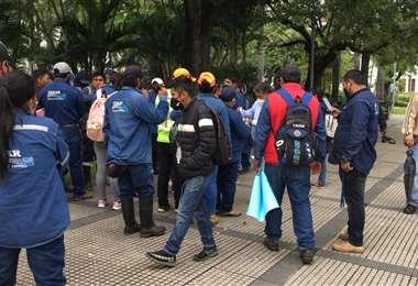 Trabajadores durante la protesta