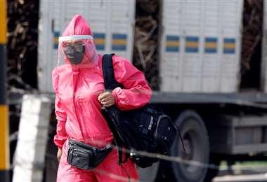 Una ciudadana se protege del coronavirus. Foto: Ricardo Montero