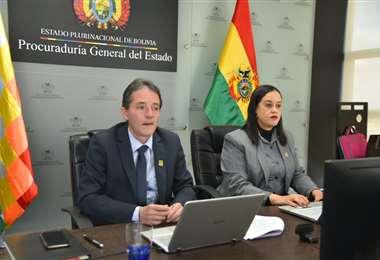 El subprocurador Alejandro Roda (izq) habla en la sesión de la Corte CIDH.