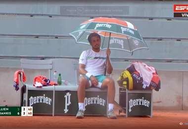 El partido se interrumpió por segunda vez por la lluvia. Foto: ESPN 3