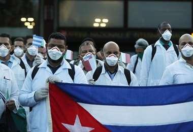 Los médicos cubanos cuando llegaron a Italia. Foto Internet