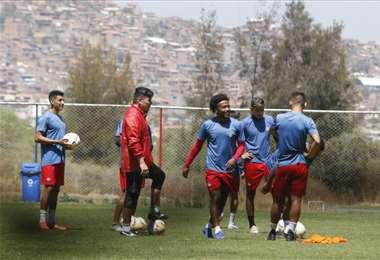 Entrenamiento de Wilstermann en Cochabamba.  Foto: APG