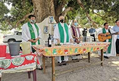 En la comundiad se celebró una misa por los bolivianos asesinados en Brasil