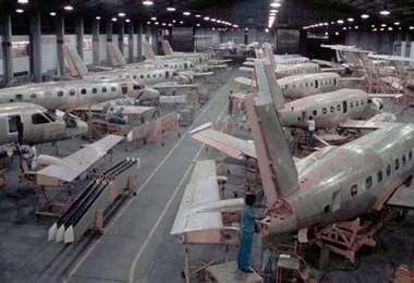 Línea de montaje de Embraer. Foto Embraer