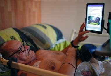 Alain Cocq en su lecho de enfermo. Foto Internet