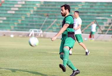 Júnior Sánchez durante una práctica con la Verde. Foto: Prensa FBF