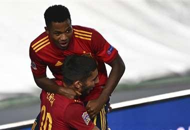 Ansu Fati anotó el segundo gol e hizo historia. Foto: AFP