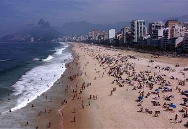 La playa de Ipanema este domingo. Foto AFP