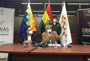 Franco y Arias en conferencia de prensa/Foto:MOP