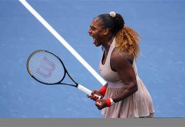El festejo de Serena Williams tras su victoria de este lunes.  Foto: AFP