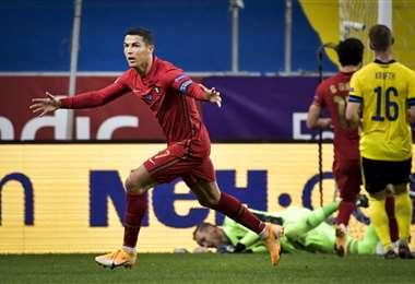 El festejo de Cristiano Ronaldo, que este martes hizo doblete para su selección. Foto. AFP