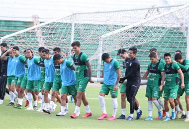 La Verde en el trabajo en el estadio Tahuichi