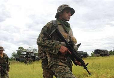 Militares paraguayos en labores de rastrillaje. Foto Internet
