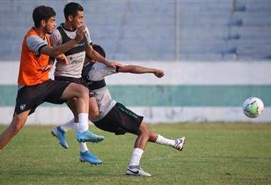 Los jugadores de la Verde en pleno trabajo. Foto: Prensa FBF