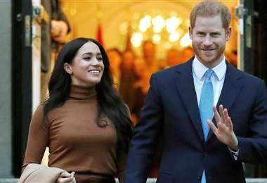 El príncipe Harry y su esposa Meghan respiran tranquilos y pagan sus deudas