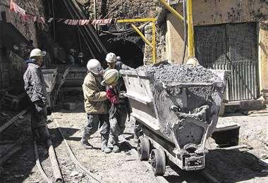 Labor. Jubileo considera que en todo el sector minero trabajan unas 200.000 personas, pero