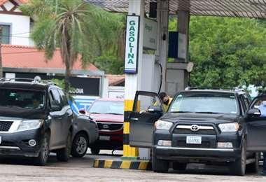 Desde hace 10 días no hay un abastecimiento normal de combustibles. Foto: Ricardo Montero