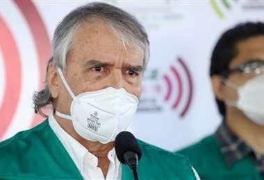 El secretario de Salud señaló lo urgente: médicos y enfermeras