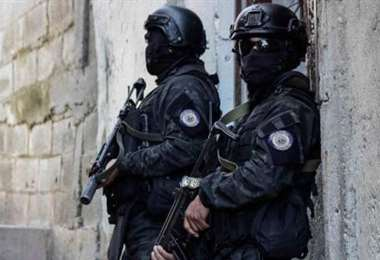 """Activistas denuncian """"masacre"""" con 23 muertos en operación policial"""
