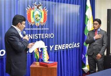 Gonzales, posesionado como presidente de YLP/Foto: ABI