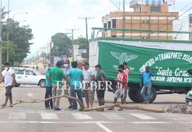 Los choferes bloquearon las principales rutas del país. Foto: Juan C. Torrejón