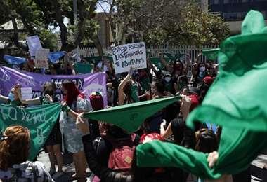 Chile inicia debate para despenalizar el aborto