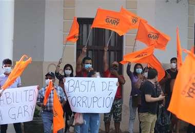 Afines a CC protestan ante el TED por la inhabilitación a Gary Áñez. Foto: J. Gutiérrez