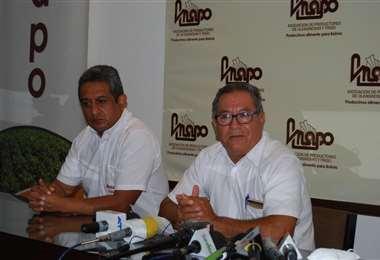 Flores, titular de Anapo, dcha, espera se mejoren los rendimientos (Foto: Anapo)