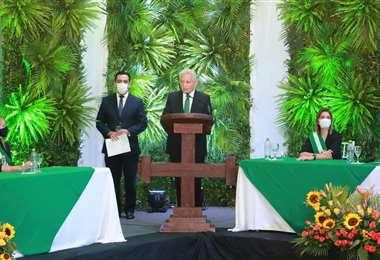 Entre lo político y lo emotivo, Costas presentó su último informe de gestión
