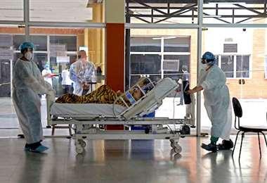 Toque de queda por colapso de hospitales