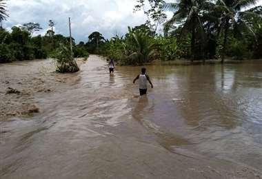 El río 24 en Villa Tunari se desbordó /ABI