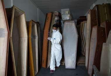 En Manaus alistan ataúdes para muertos por Covid-19 /Foto: AFP