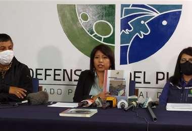 El informe fue presentado hoy por las autoridades defensoriales