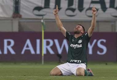 La celebración de Alan, jugador del Palmeiras, tras eliminar a River. Foto: AFP