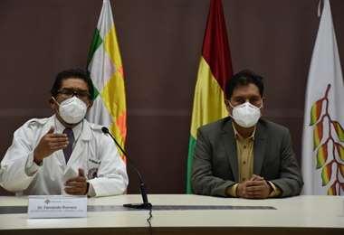 La conferencia entre el dirigente y el ministro I Salud.