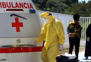 El personal de salud se enfrenta a la segunda de ola de Covid-19 en Bolivia