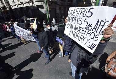 Aportantes exigen la devolución de sus aportes/Foto: EL DEBER
