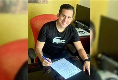 Muñoz firmó su contrato con Real Potosí